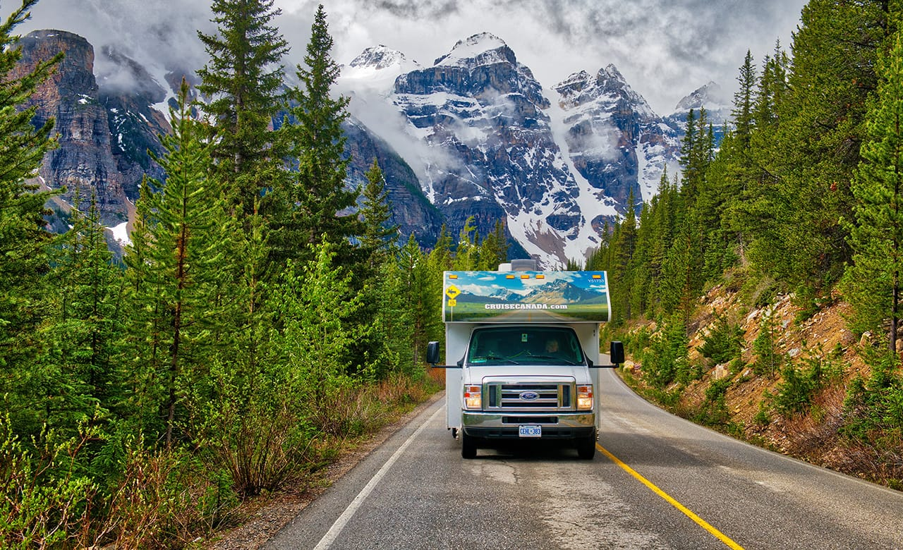 5 Dream Road Trips in Canada to Finally Take This Year