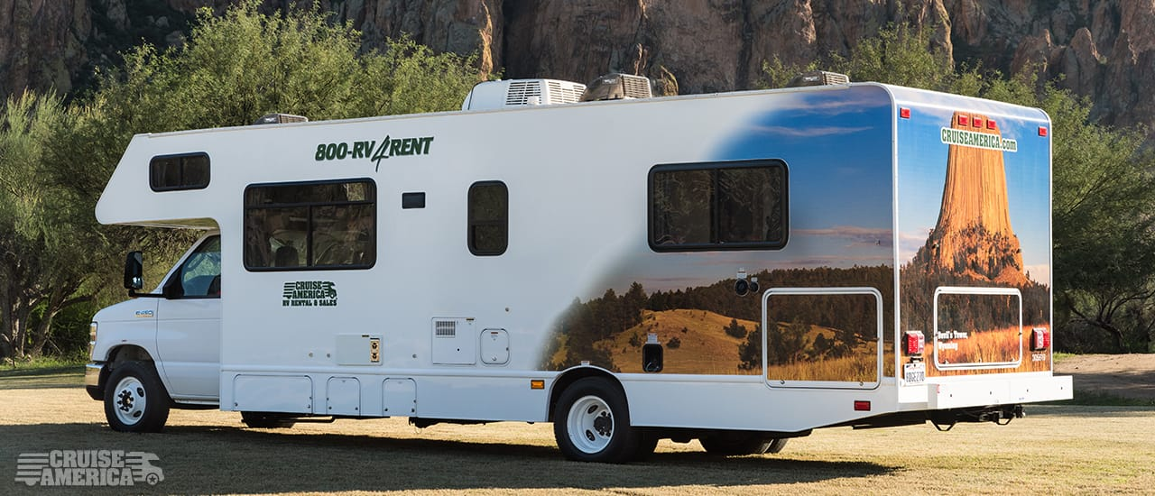 Large RV Rental Exterior Image