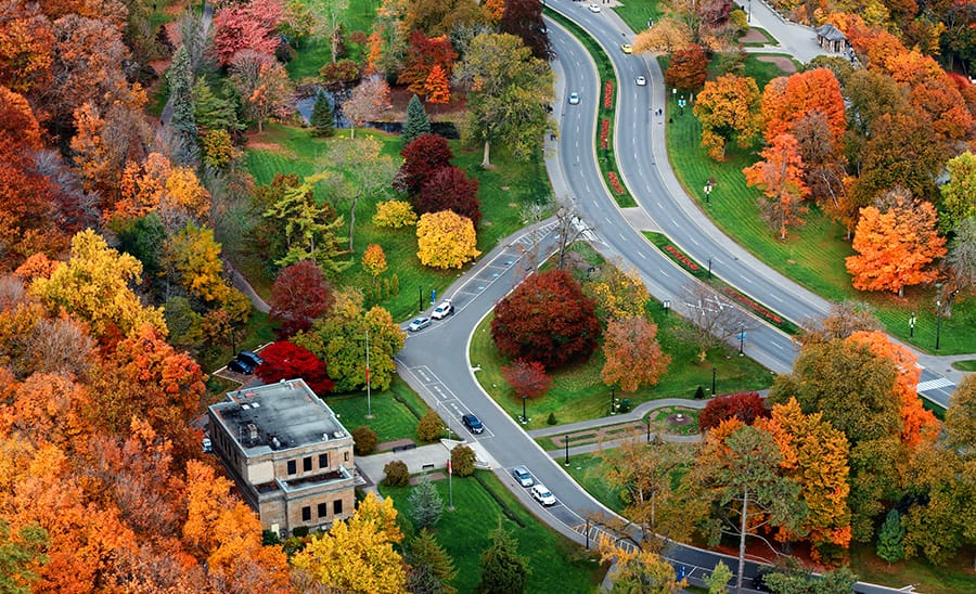 RV_rental_canadian_fall_road_trips_Niagara_parkway.jpg