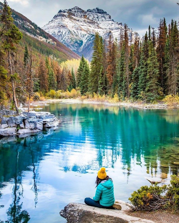 Cruise-America-Best-Time-to-Visit-Banff-National-Park-for-RV-Camping-swissclick_photography.jpg