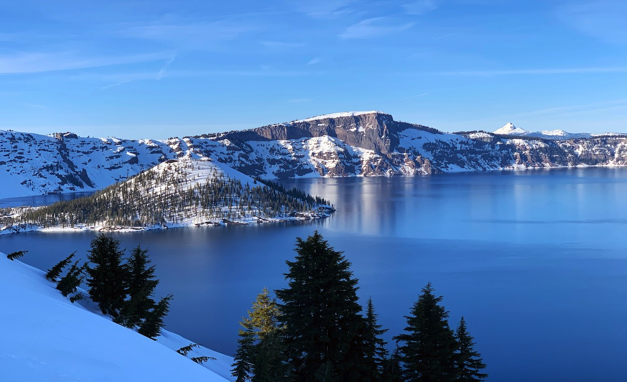 Cruise-America-Best-Time-to-Visit-Crater-Lake-National-Park.jpg